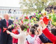 СМИ сообщили о потасовке в Китае из-за ядерного чемоданчика Трампа